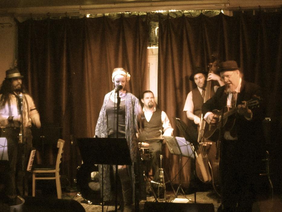 at Atlantis Lounge Portland - Photo by Jen Mayfield-Shafer
